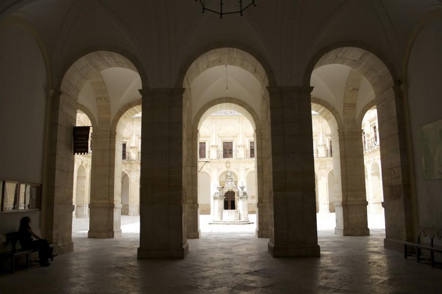 Patio interior del Monasterio de Uclés   Foto: José González